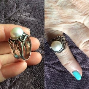 Vintage Jewelry - 925 ISRAEL Real Silver Big White Pearl Ring Swirls